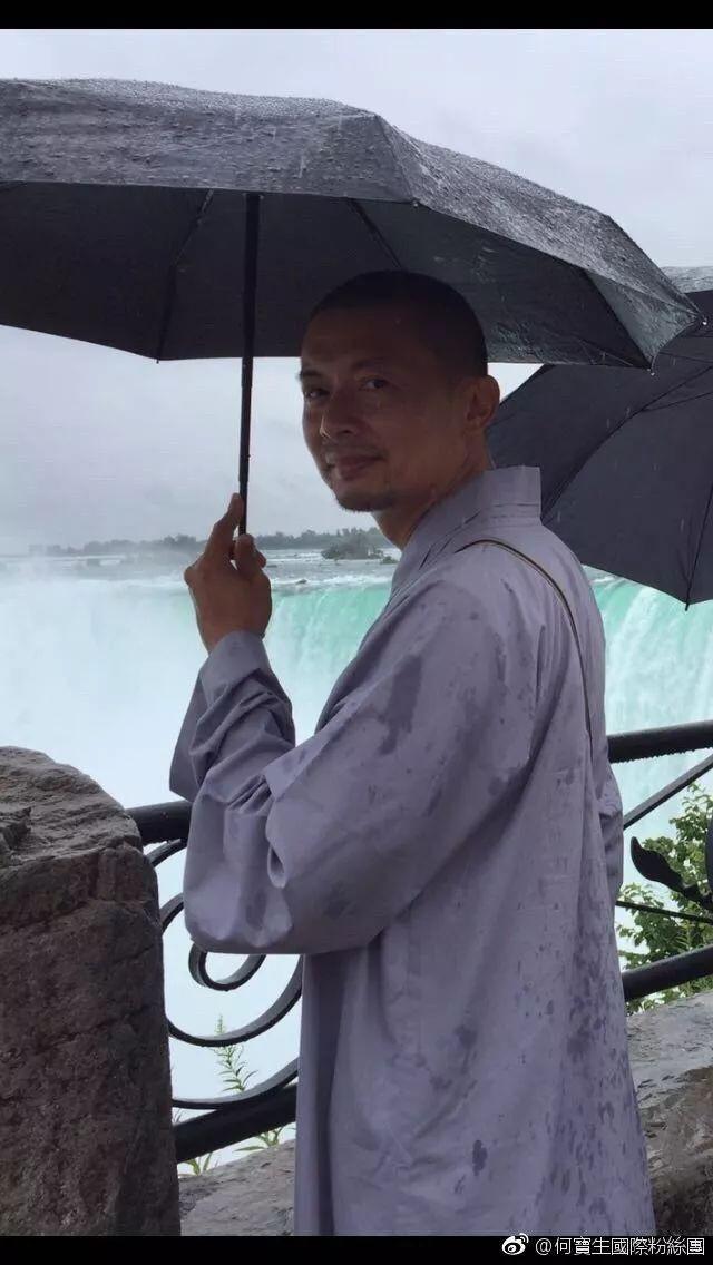 Mỹ nam Tiếu Ngạo Giang Hồ: Từ thiếu gia ăn chơi khét tiếng, thua bạc trăm tỷ 1 đêm bất ngờ quy y cửa phật - Ảnh 11.