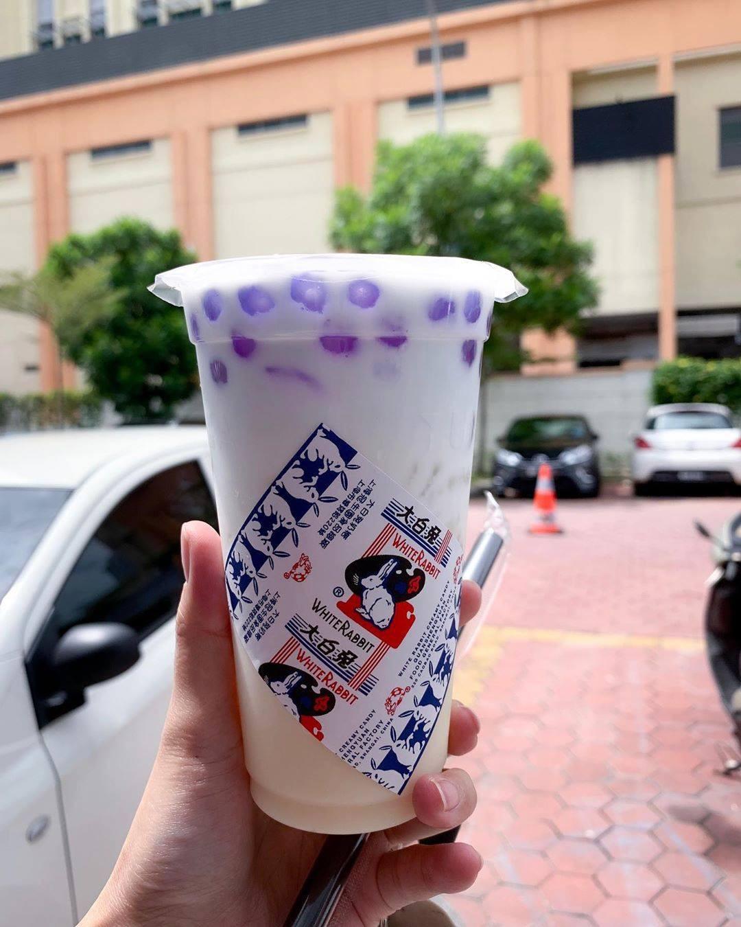 Giới trẻ Trung Quốc đổ xô đi mua trà sữa có giá siêu đắt 1,7 triệu/cốc, lý do đằng sau khiến nhiều người nể phục - Ảnh 11.