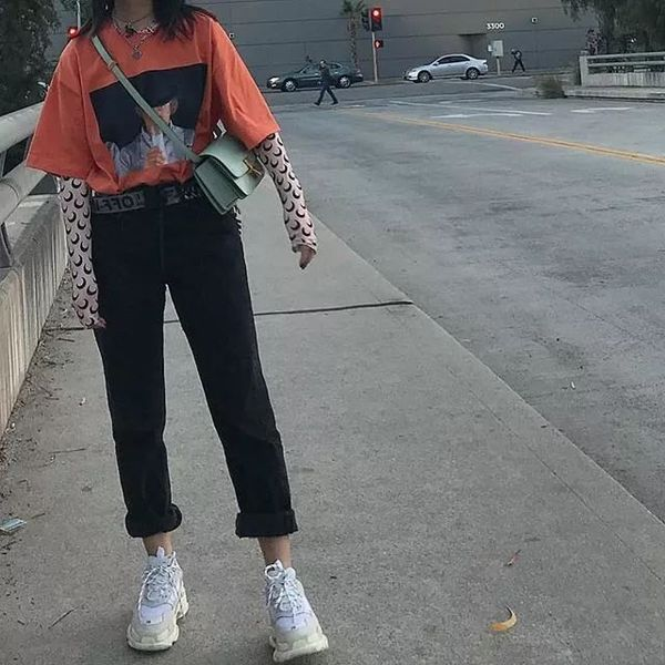 Chiếc áo của thương hiệu MARINE SERRE đã trở thành một trong những kiểu áo yêu thích của các giới trẻ