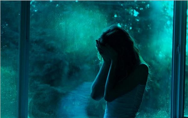 Người có thể giúp bạn vượt qua đau khổ của biển tình không ai khác ngoài chính bản thân bạn 0