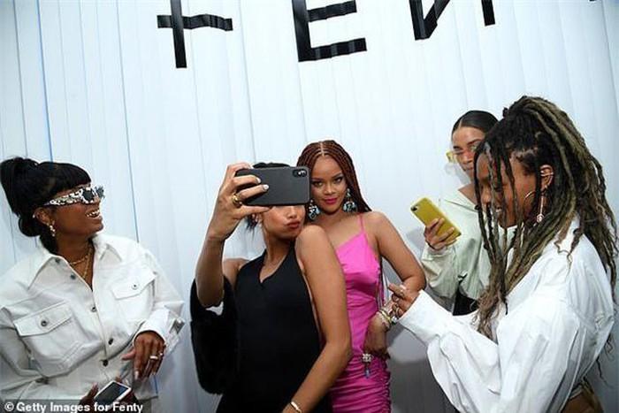 Rihanna tăng cân vẫn xinh đẹp
