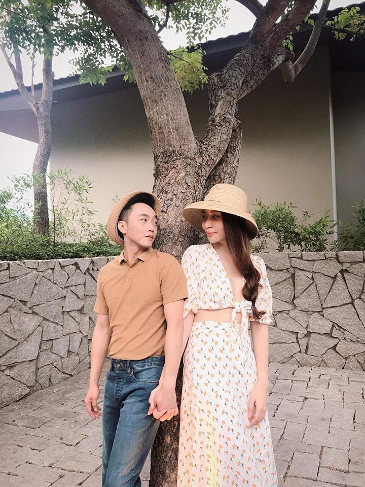 Ngày cưới chưa được hé lộ, NTK Việt đã bật mí thêm mẫu váy cưới Đàm Thu Trang dự kiến mặc trong hôn lễ sắp tới - Ảnh 1.