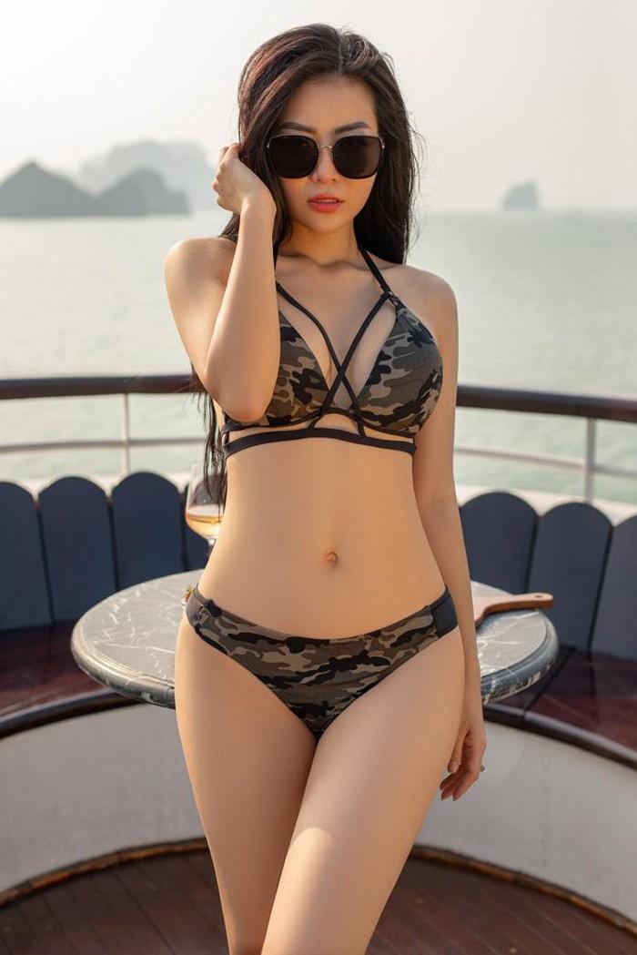 Thời trang hè: Elly Trần, Ngân 98...kiệm vải gây 'bỏng mắt' nhất showbiz?