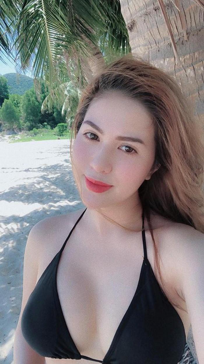 Nhan sắc xinh đẹp, nóng bỏng của hot girl vừa ly hôn diễn viên Việt Anh