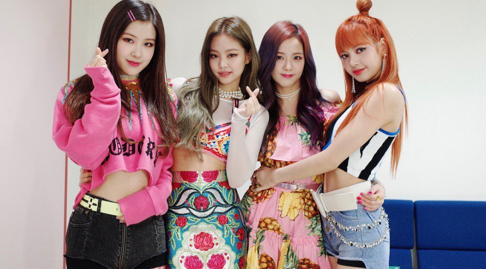 30 nhóm nhạc Kpop hot nhất hiện nay: BTS bỏ quá xa BLACKPINK, TWICE, thứ hạng của EXO và Red Velvet mới bất ngờ - Ảnh 2.