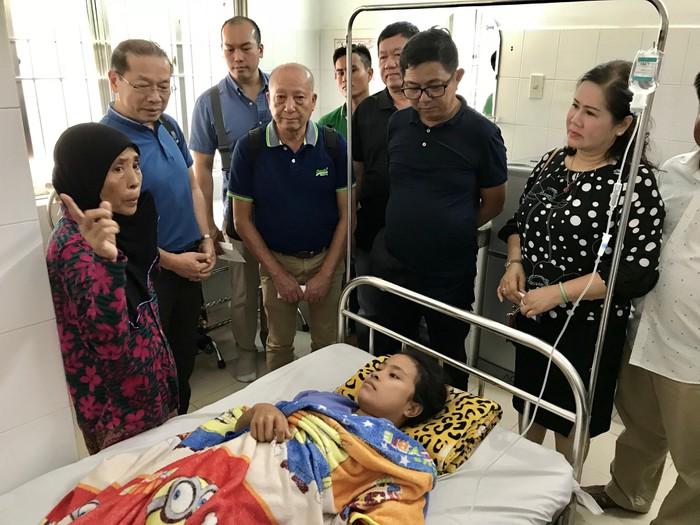 Giúp đỡ cô gái Campuchia bị bệnh ngặt nghèo đang chữa trị tại Cần Thơ