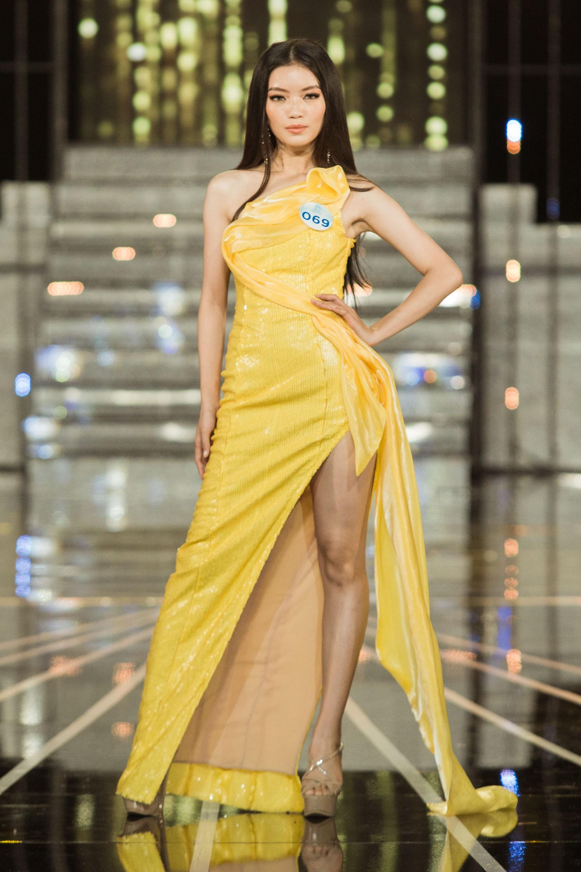 Đọ sắc vóc 20 mỹ nhân lọt Top, chạm gần tới tấm vé kế nhiệm Tiểu Vy lên đường đến Thái thi Miss World 2019 - Ảnh 20.