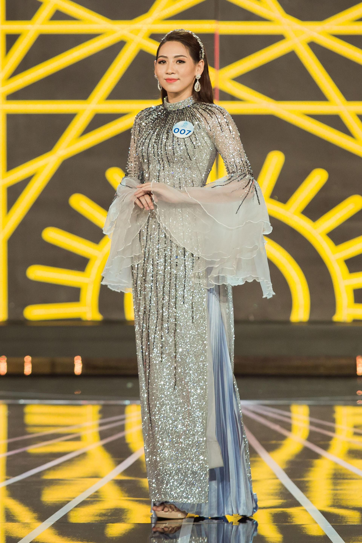 Đọ sắc vóc 20 mỹ nhân lọt Top, chạm gần tới tấm vé kế nhiệm Tiểu Vy lên đường đến Thái thi Miss World 2019 - Ảnh 10.