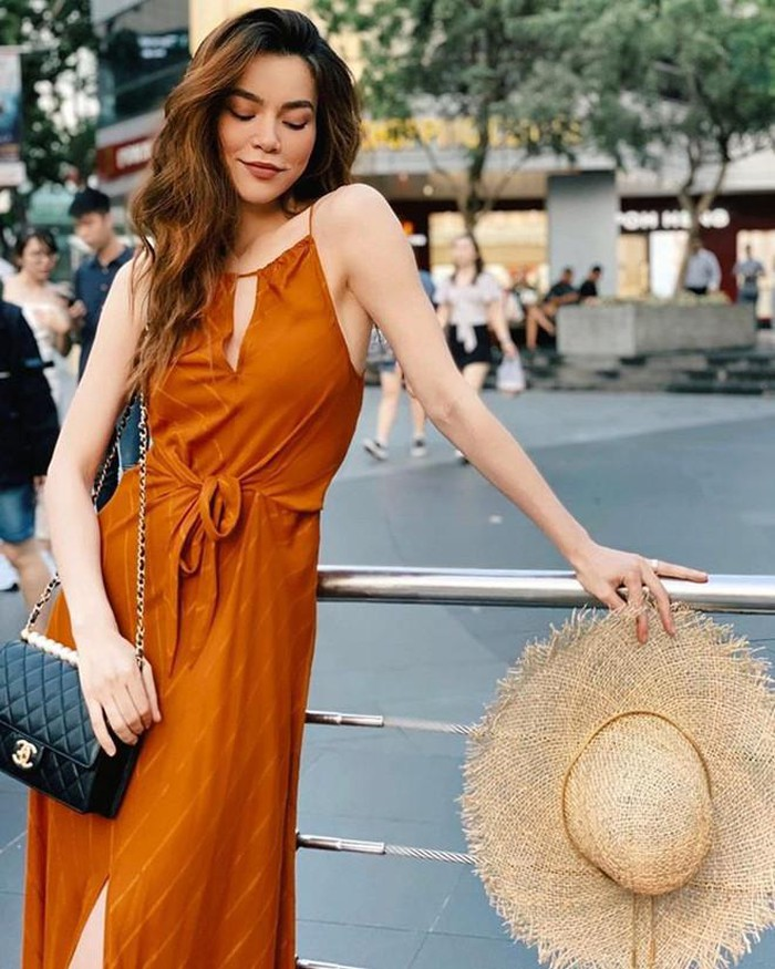 Sao Việt đua nhau xúng xính áo hai dây gợi cảm ngày hè