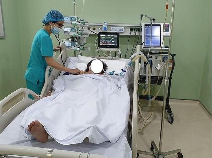 Cấp cứu 3 người hôn mê vì sốc nhiệt do nắng nóng, đã có ca tử vong