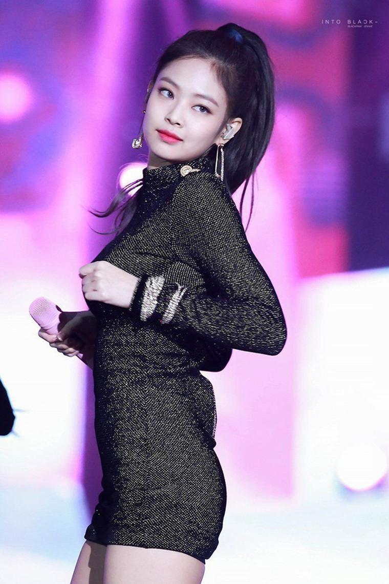 5 nữ idol sinh năm 1996 đẹp xuất chúng nhất: Không phải nữ thần nhưng luôn hot nhất nhì nhóm, lột xác ngỡ ngàng - Ảnh 1.