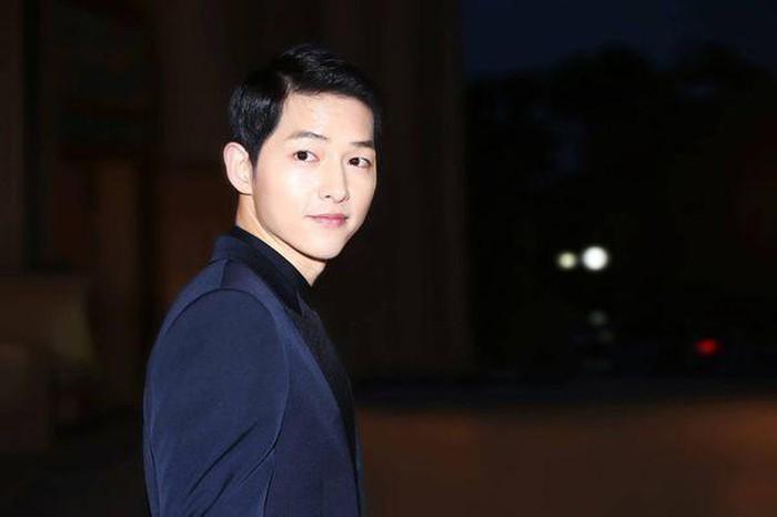 Phản ứng của dân Trung trước tin Song - Song ly hôn: 'Câu nói của Song Joong Ki đang ám chỉ chính là Song Hye Kyo có vấn đề?'