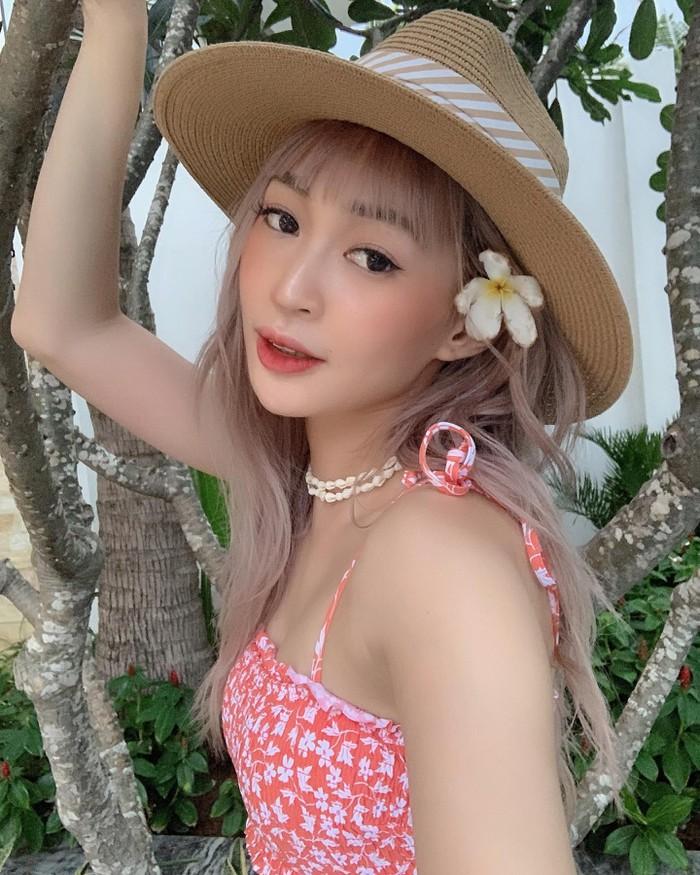 Hội 3 cô gái gợi cảm Chi Pu, Quỳnh Anh Shyn và SunHT giàu có cỡ nào?