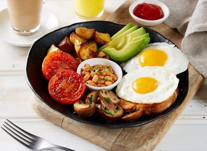 Bữa sáng đủ dinh dưỡng cho từng nhóm người