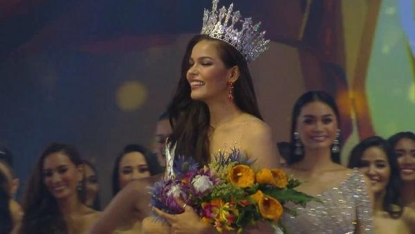 Tân Hoa hậu Hoàn vũ Thái Lan 2019 trong giây phút đăng quang