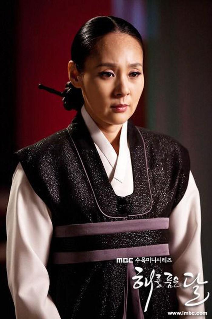 Cảnh sát xác nhận diễn viên gạo cội Jeon Mi Seon tự tử vì trầm cảm