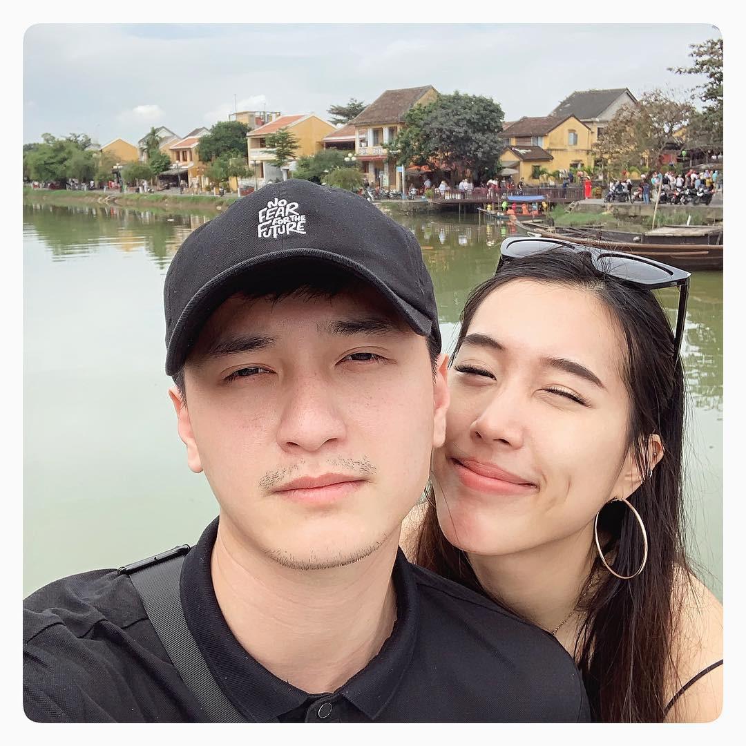 Couple yêu xa vượt biên giới: Hết đẳng cấp rich kid ship phở vào Sài Gòn đến test son sẵn cho bạn gái khiến fan gato điên đảo - Ảnh 2.