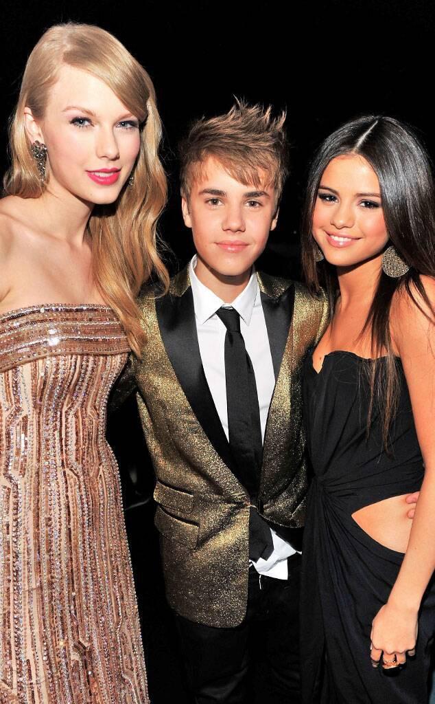 Tình cũ và bạn thân cũ đại chiến, Selena Gomez xuất hiện với thái độ chú ý: Thoải mái để mặt mộc, cười phớ lớ - Ảnh 9.