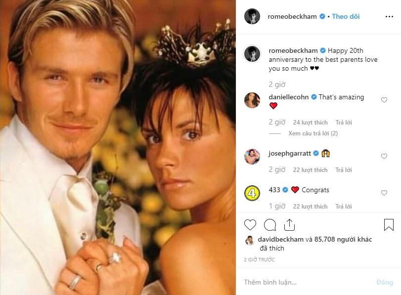 Cả gia đình chúc mừng kỷ niệm 20 năm ngày cưới Beckham - Victoria, Brooklyn gây chú ý nhưng không bằng Harper - Ảnh 4.