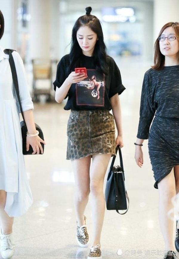 Trở thành đại diện của một loạt thương hiệu thời trang đình đám, style của Dương Mịch đẳng cấp cỡ nào?