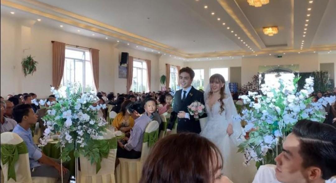 Thu Thủy hạnh phúc tổ chức đám cưới với ông xã kém 10 tuổi ở Đà Lạt - Ảnh 1.
