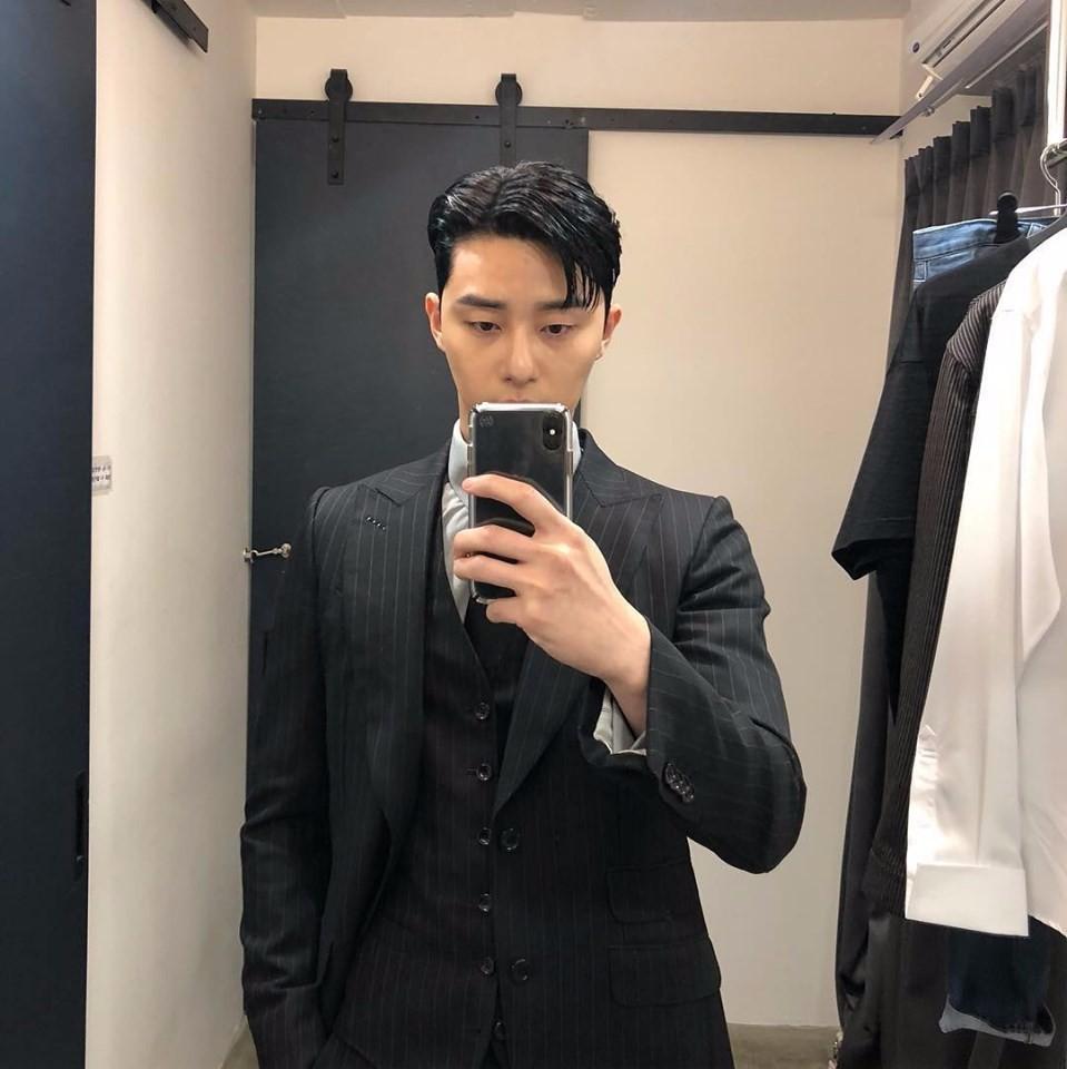 """""""Tổng tài"""" vạn người mê Park Seo Joon – không chỉ đẹp trai trên phim mà ảnh chụp vội khoe nhan sắc và body cũng là cực phẩm - Ảnh 5."""