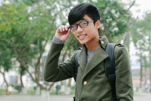 Cứ vào đại học là thần thái với gu ăn mặc lên level vèo vèo, nhìn loạt ảnh mới của em trai Sơn Tùng sẽ rõ! - Ảnh 2.