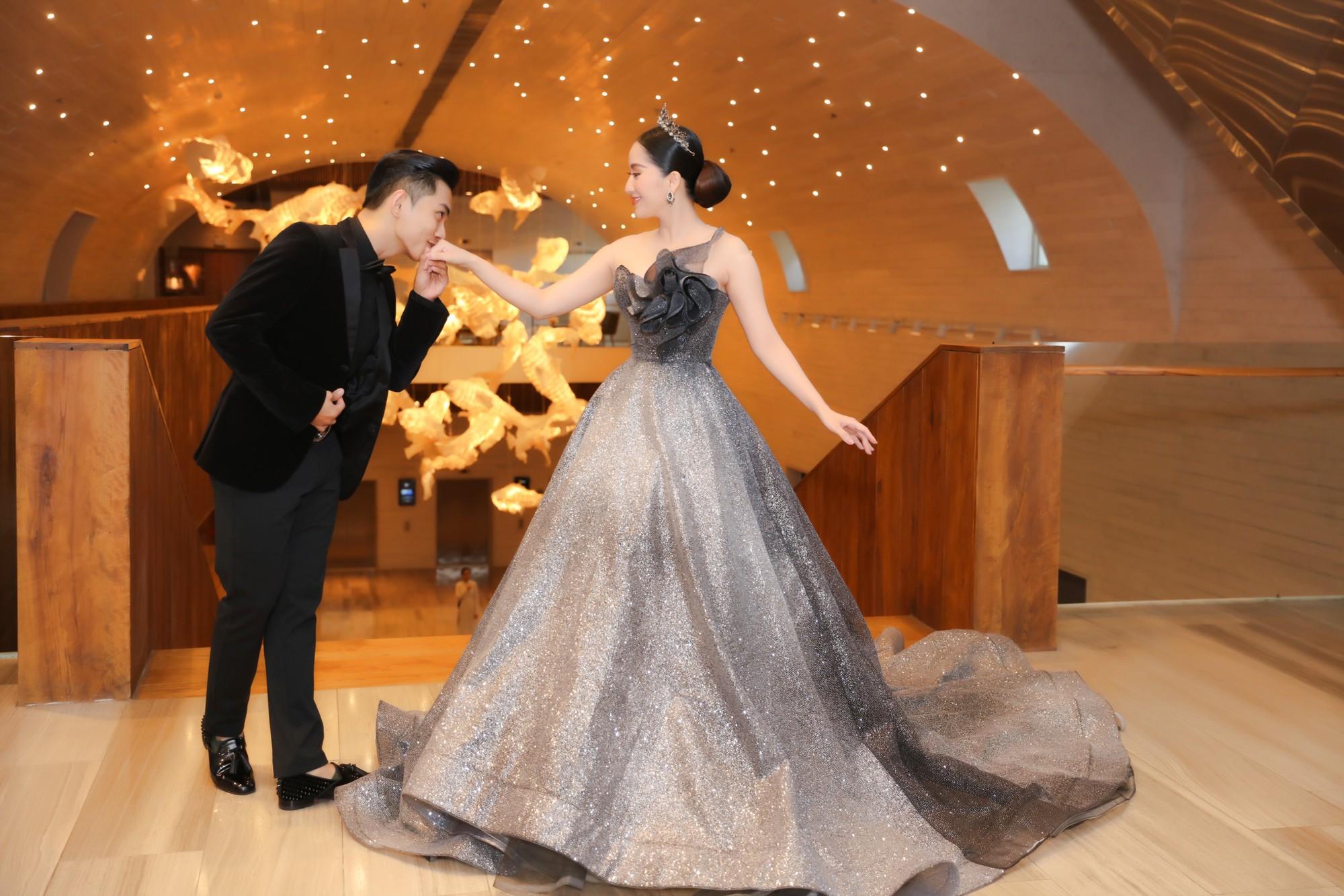Elly Trần lên đồ cosplay Mẹ Rồng, ai ngờ bị màn vác kiếm choảng nhau của vợ chồng Khánh Thi giựt spotlight - Ảnh 7.
