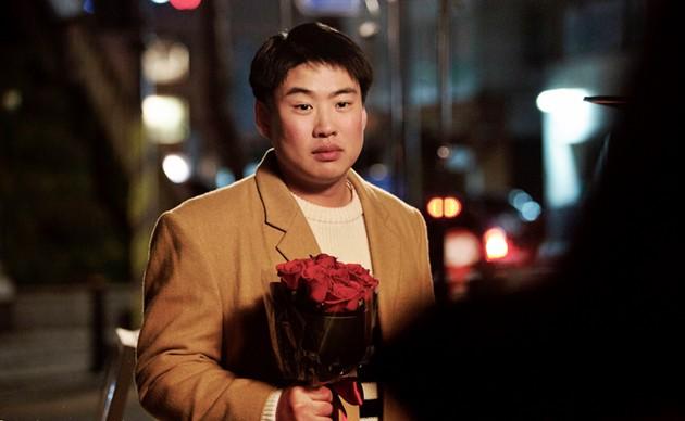 5 màn chơi lớn bất chấp thân thể vì vai diễn của sao Hàn: Người nhịn ăn ép cân, kẻ nhai sống rắn độc - Ảnh 2.