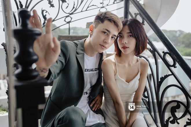 Couple hot boy lai tây và mẫu lookbook nổi tiếng Sài Thành: Chuyện tình chị - em kém 4 tuổi, yêu nhau nhờ thả haha trên Facebook - Ảnh 2.
