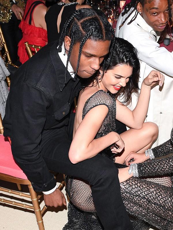 Kendall Jenner: Kẻ lạc loài nhà Kardashian đến mẫu 9x đắt giá nhất thế giới, cháu trai của Tổng thống Mỹ cũng phải mê - Ảnh 11.