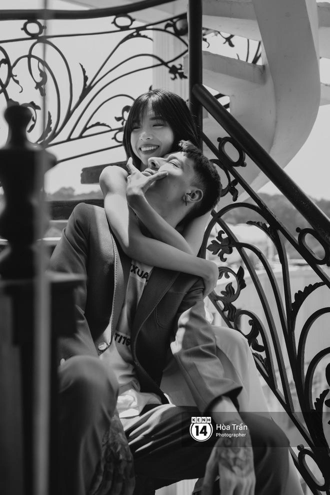 Couple hot boy lai tây và mẫu lookbook nổi tiếng Sài Thành: Chuyện tình chị - em kém 4 tuổi, yêu nhau nhờ thả haha trên Facebook - Ảnh 7.