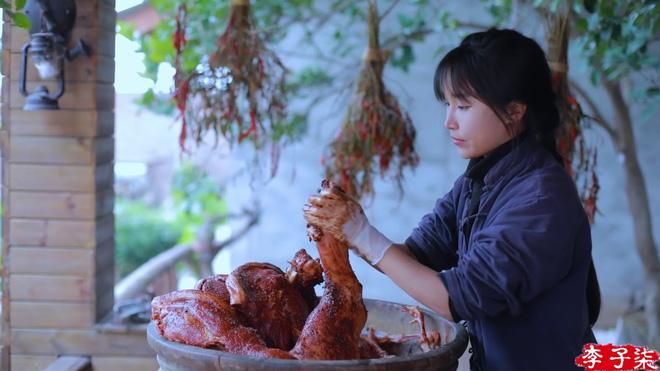 Lý Tử Thất trả lời độc quyền báo Việt Nam, hé lộ cuộc sống thực sau những hình đẹp như tiên cảnh - Ảnh 15.