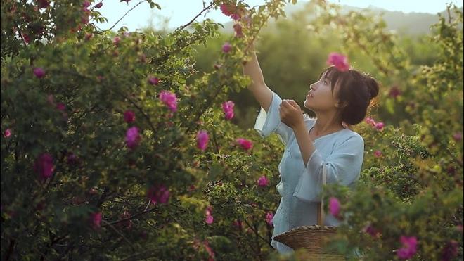 Lý Tử Thất trả lời độc quyền báo Việt Nam, hé lộ cuộc sống thực sau những hình đẹp như tiên cảnh - Ảnh 14.