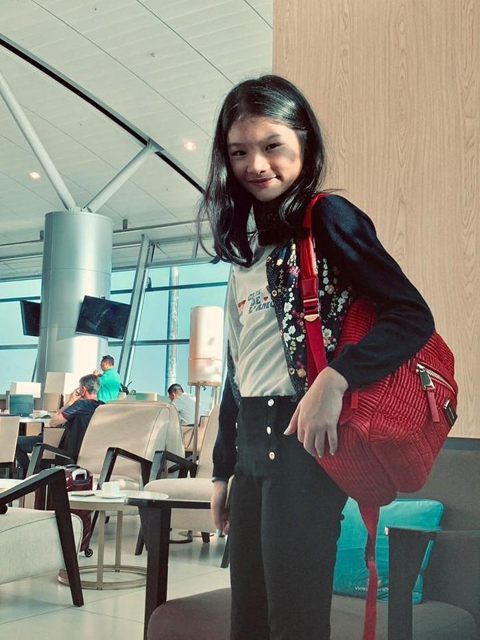 Kỳ nghỉ hè sang chảnh của cậu ấm cô chiêu nhà sao Việt