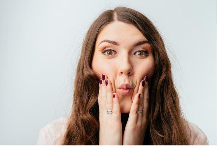 Mẹo đơn giản giảm béo giúp khuôn mặt thon gọn bất ngờ