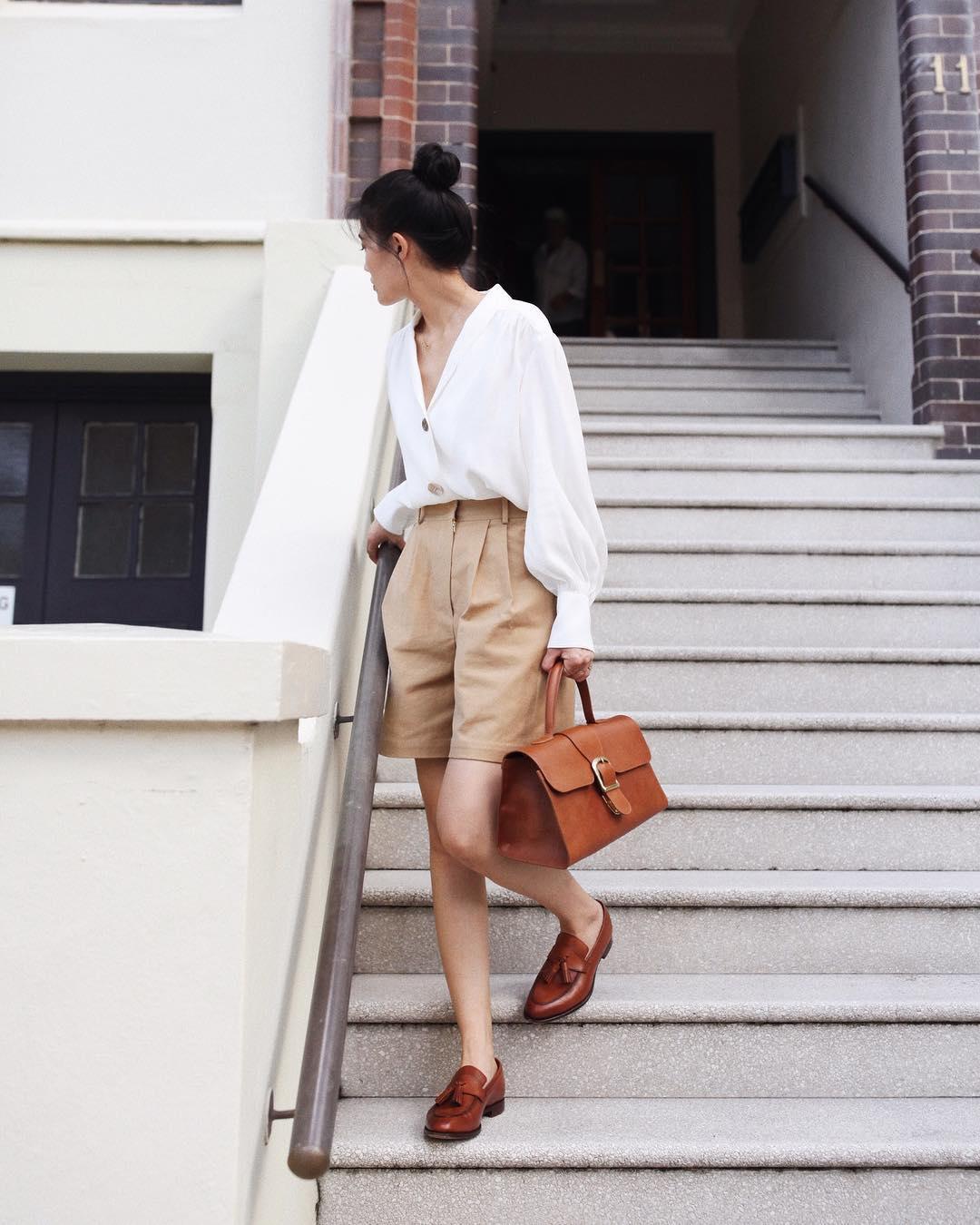 Kết hợp quần shorts cùng áo sơ mi phong cách smart casual