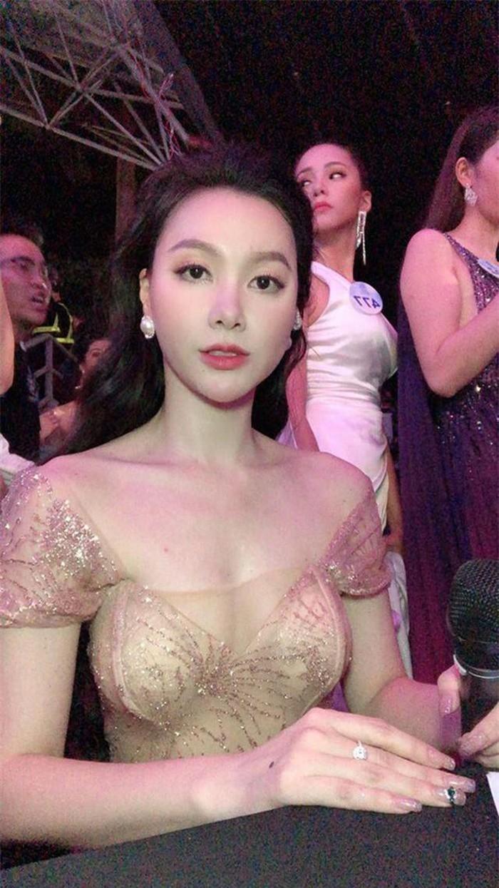 Ở tuổi 32 MC Minh Hà xứng danh mỹ nhân gợi cảm nhất nhì VTV