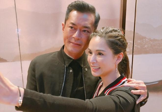 Tiểu Long Nữ độc thân đắt giá nhất Cbiz Lý Nhược Đồng: U50 vẫn đẹp đỉnh cao, mãi chẳng chịu chống lầy - Ảnh 7.