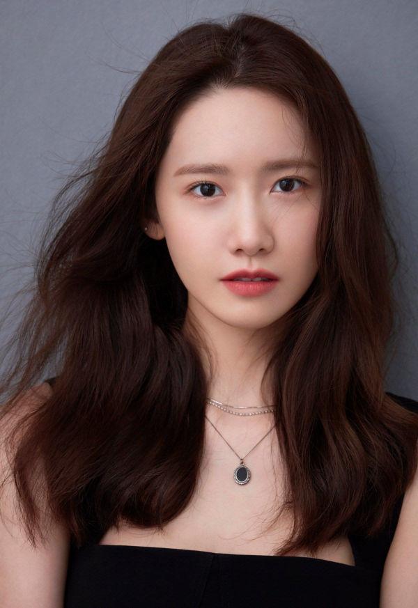 YoonA (SNSD) tung bộ ảnh mới, Knet lập tức trầm trồ: 'Nếu bây giờ cô ấy debut làm tân binh cũng chẳng có vấn đề gì'