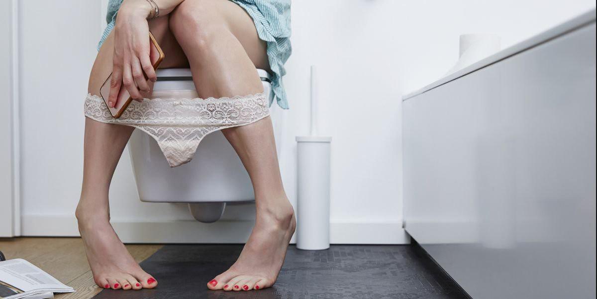 Nữ giới có nguy cơ u nang buồng trứng rất cao nếu gặp phải những triệu chứng bất thường sau đây - Ảnh 2.