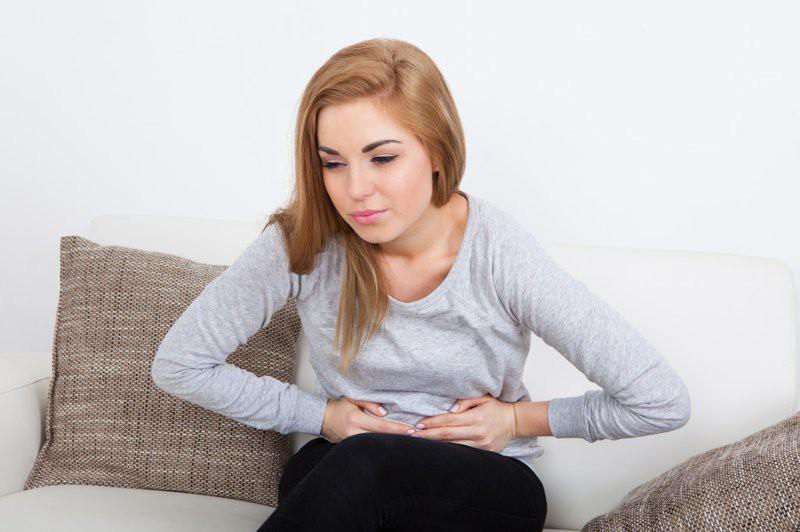 Nữ giới có nguy cơ u nang buồng trứng rất cao nếu gặp phải những triệu chứng bất thường sau đây - Ảnh 3.