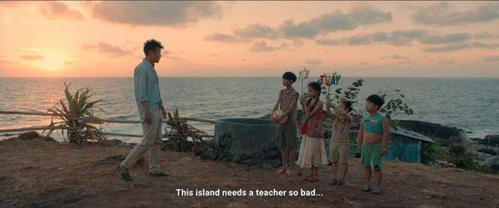 Trailer phim 'Anh thầy ngôi sao': Dù phải ra đảo hoang nhưng Huyme đã có Miu Lê và lũ trẻ đáng yêu cùng hát ca