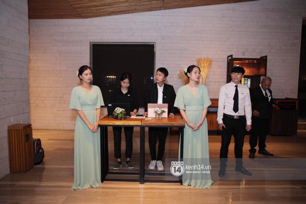 Đám cưới Đàm Thu Trang - Cường Đô La: Dàn xe siêu khủng đồng loạt xuất hiện, an ninh thắt chặt tối đa trước giờ G - Ảnh 4.