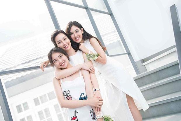 Nhà có ba nàng tiên phiên bản hot girl Việt: Xinh đẹp đã là gì, thi hoa hậu rồi học vấn thạc sĩ tiến sĩ có đủ luôn - Ảnh 9.