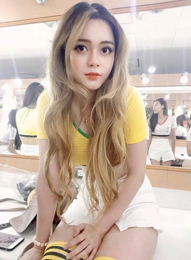 Hội hot girl World Cup: Người thành nữ hoàng thị phi, người tự tin ăn đứt Chi Pu, người ngày càng thần thái và trưởng thành - Ảnh 37.