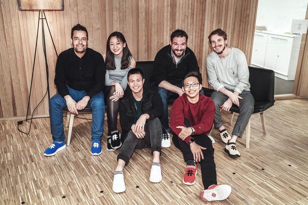 Miệt mài startup: 16 tiếng/ngày với đôi sneaker làm bằng bã cà phê, hai thanh niên Việt thu về hơn 10 tỷ đồng ở trời Tây - Ảnh 7.