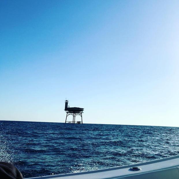 Rùng mình với trải nghiệm ở khách sạn nguy hiểm nhất thế giới, nằm trơ trọi ở độ cao 27m so với mặt nước biển - Ảnh 5.