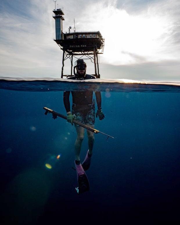 Rùng mình với trải nghiệm ở khách sạn nguy hiểm nhất thế giới, nằm trơ trọi ở độ cao 27m so với mặt nước biển - Ảnh 8.