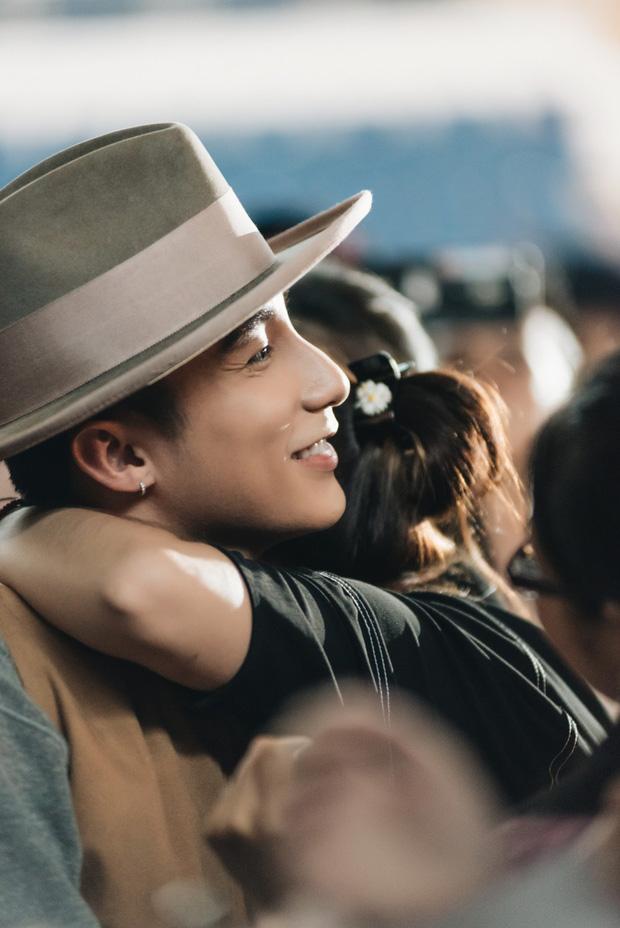 Fan nữ đưa mẹ đến sự kiện Meet&Greet Hà Nội để xin kết hôn, Sơn Tùng M-TP cũng nhiệt tình đáp lời cực dễ thương - Ảnh 3.